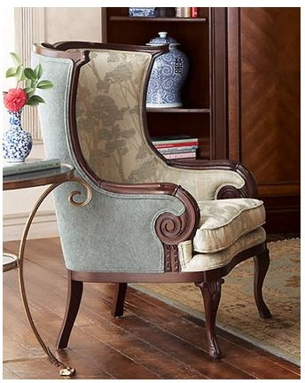 Great fabric pairing on the inside and outside. And paired with the cool shape, this chair is such a winner!!!
