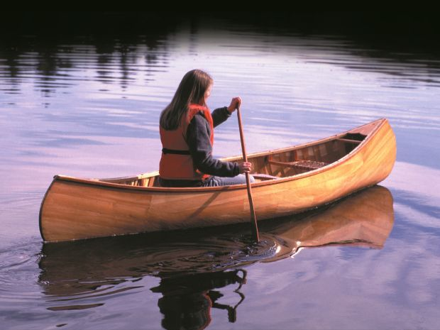 American Traders - Wooden Canoes for Sale