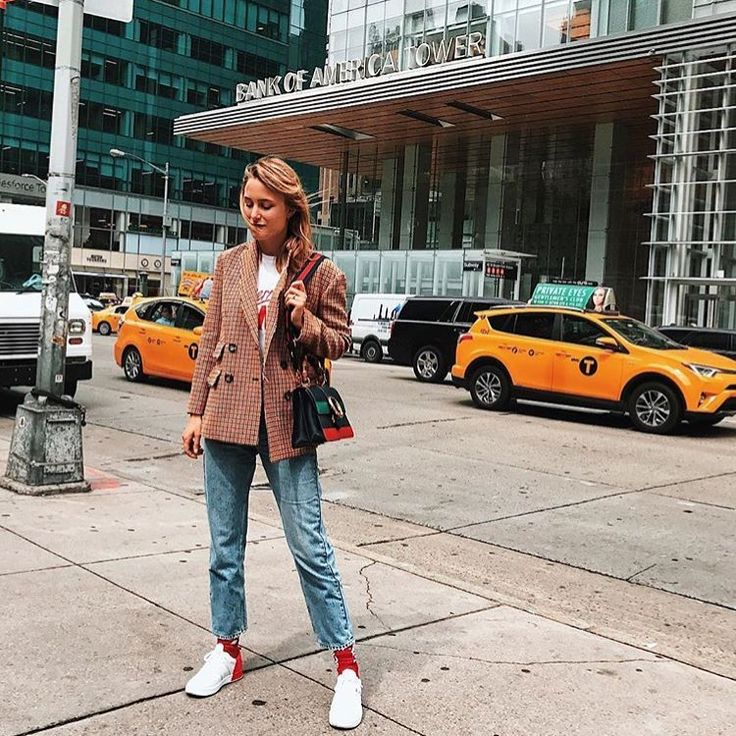 Spotted in NYC: Our babe #RebeccaLaurey in pre-fall 2017 blazer