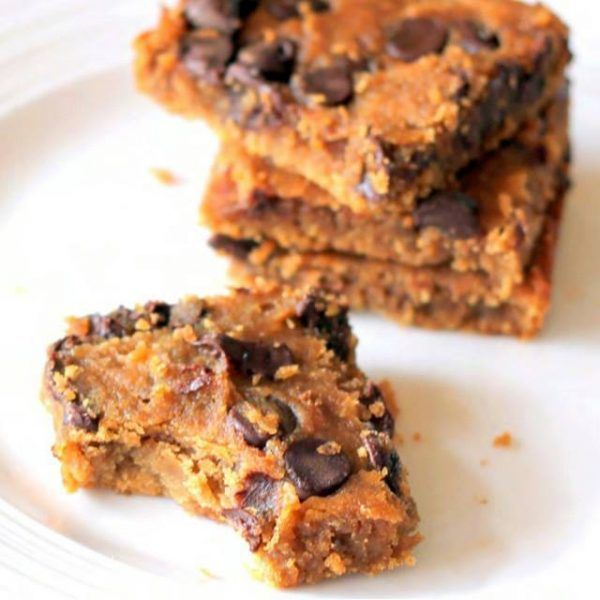 Flourless-Moist-Gooey-SIMPLE, & NO added refined sugar! These actually are REALLY good---chickpeas & all! Made another batch with my kids  this afternoon! Makes 16 bars Ingredients: 1 (15 oz.) can garbanzo beans /chickpeas, rinsed well (find bpa free can if possible) 1/2 cup almond butter...