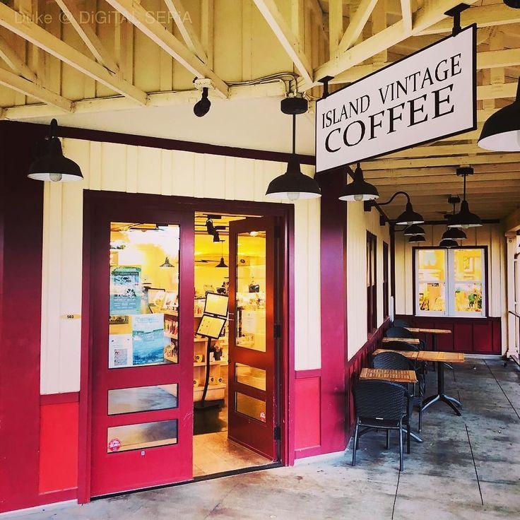 "[[ Duke's Photo Archive]] A Cafe at the North Shore of Oahu Hawaii"" ハワイはオアフ島ノースショアのハレイワにあるカフェ Taken on Dec. 13th 2017  #Hawaii #Oahu #NorthShore #Haleiwa #cafe #town #ハワイ #オアフ島 #ノースショア #ハレイワ #カフェ  #街 #街角 #街角スナップ"