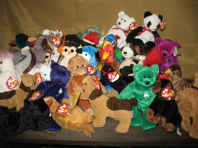 Find out prices realized for online auctions of Ty Beanie Babies, a sampling of sold prices.