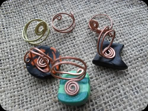 Somebody makes rings . . . who woulda thought you could shape your own metal . . .