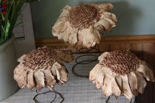 Sunflower Tutorial, I like the nubby center, can use my white nubby bed spread, and I've got springs!