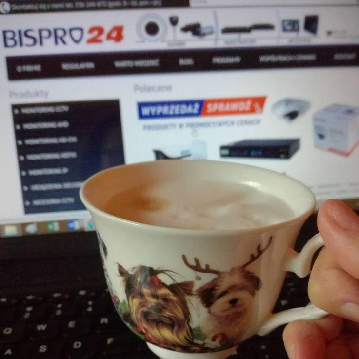 Dziś w #bispro24 #kawa jak w #mikołajki przystało w okolicznościowym kubku ☺ Wszystkim grzecznym dzieciom życzymy pięknych prezentów!