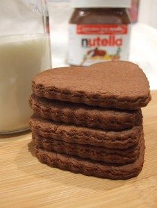 Mix Nutella, flour & milk to make crisp, crunchy, chocolatey shortbread biscuits. Sandwich with Nutella for real indulgence, or just dunk in hot chocolate!
