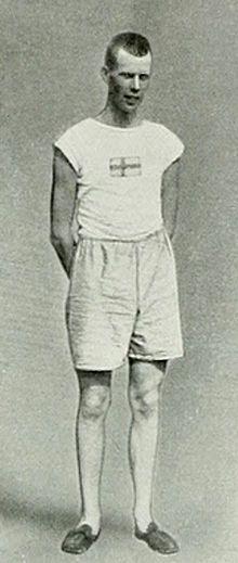 Gustaf Lindblom | Gustaf Lindblom lors des Jeux olympiques de 1912. Guld i tresteg vid OS i Stockholm 1912.
