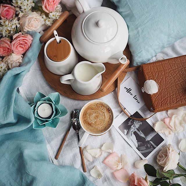 Happy Wednesday IG Friends! 💞  .  .  .  Kiedy na dzień dobry wita cię świat skąpany w deszczu ☔️ na nogi postawi podwójna kawa ☕️☕️ 😉 Jak sobie radzicie? Pięknej środy dla Was Kochani 💞…