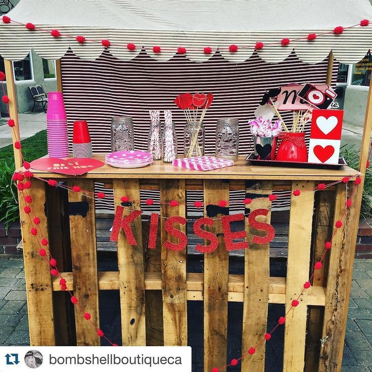 "Downtown Campbell: Tonight at Bombshell Boutique... #Repost @bombshellboutiqueca  Setting up for our ""Love Thy Neighbor"" Valentine's Party  Desserts cocktails sales freebies and FREE mini massages! Tag a friend! See you tonight starting at 4pm!  #bombshellboutique by campbellwatertower"