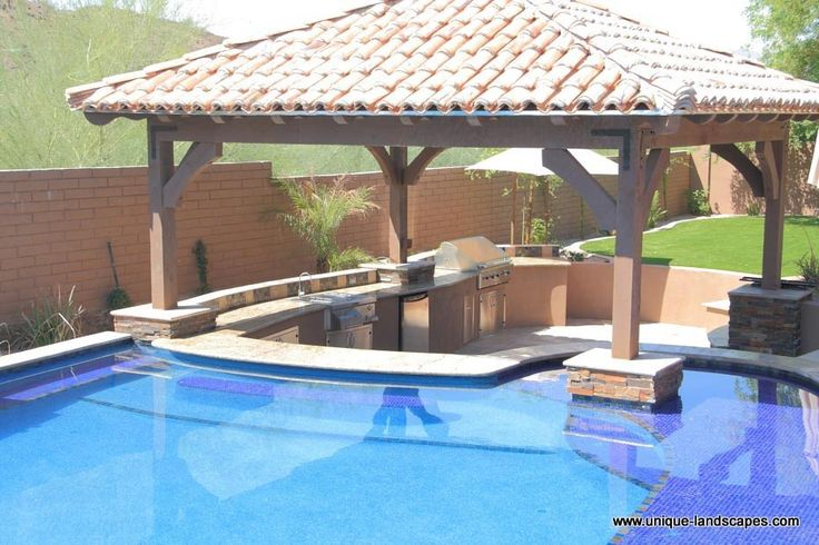 Swim up pool bar swim up bars and swimming pools in for Pool design with swim up bar