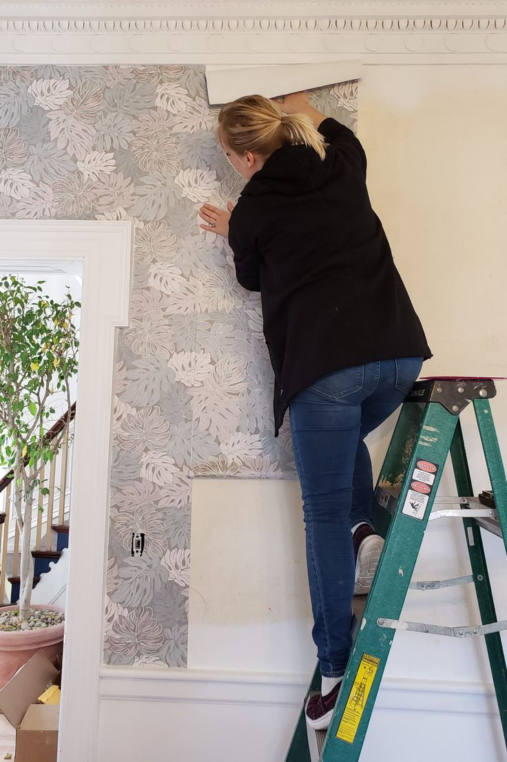 Putting up Wallpaper with Wallpaper Paste! Reality