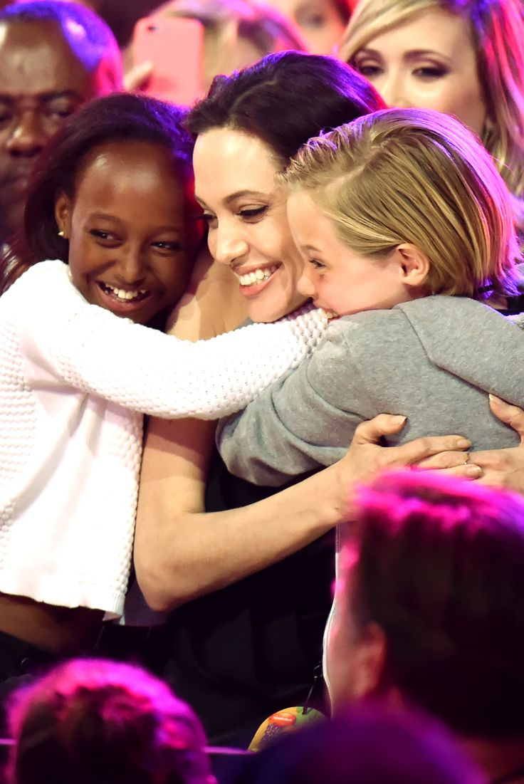 Watch Angelina Jolie's inspiring speech at the Kids' Choice Awards | Harper's Bazaar