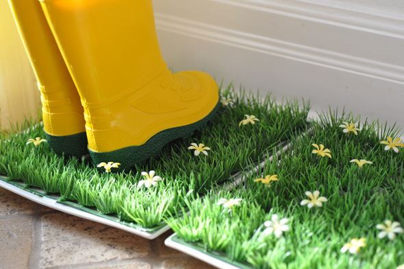 Add A Touch Of Spring With This Instant (And Cheap) DIY - at front entrance, kitchen door and behind garage! Love it!