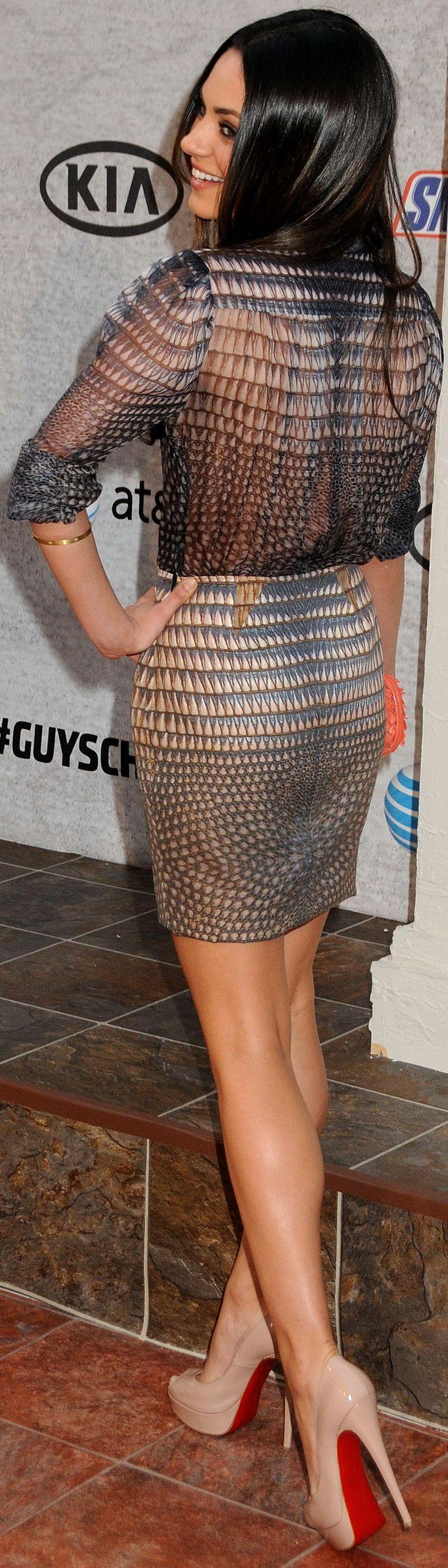 Mila Kunis #housewifehothighheels