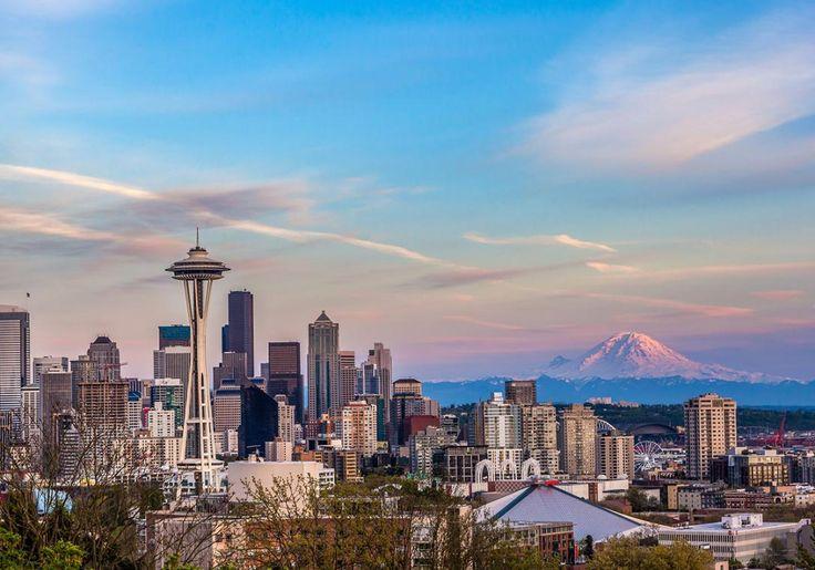Seattle i USA ligger i smuk natur mellem Olympic Mountains og vulkanerne Cascade Range, og ved siden af ligger den kæmpemæssige sø, Lake Washington. Byen er smuk og grøn med masser af parker og store skyskrabere. Den mest berømte bygning i Seattle er selvfølgelig Space Needle, den høje, spidse bygning, som også er byens vartegn.