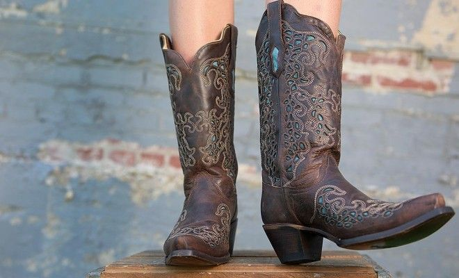 {SWOON} We love these boots!http://www.countryoutfitter.com/style/stand-out-and-get-noticed-in-these-unique-boots/ #cowboyboots #boots #corral