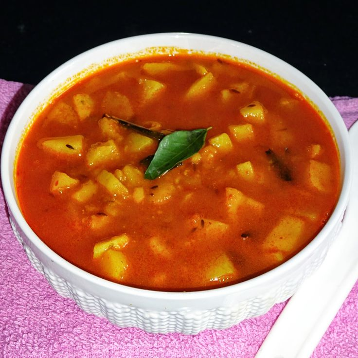 Jeera Aloo Tamatar (Cumin Potatoes in Tomatoes Curry)