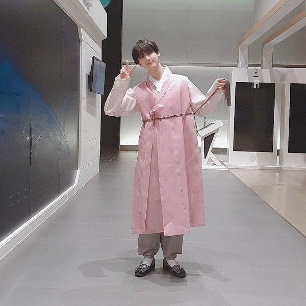 Tinggi Semampai 10 Maknae Kpop Ini Ternyata Lahir Di Tahun 2000 An Kpop Platform Block B