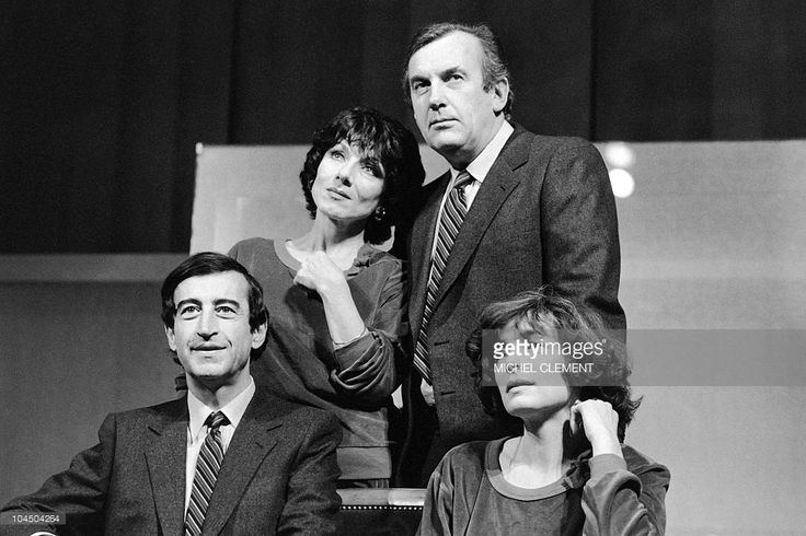 French actors (1st row L-R) Pierre vernier, Nelly Borgeaud, (2nd row L-R) Judith Magre and Daniel Ceccaldi rehearse the play 'Comedie Passion' at the Champs-Elysees theater in Paris, on January 13, 1983.