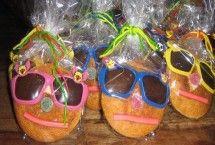 Ik ga trakteren | uitdeelcadeautjes en kindertraktaties | groot assortiment | #birthdaytreat #eierkoek # kindertraktatie eierkoek gezicht met zonnebril | ZOOK.nl