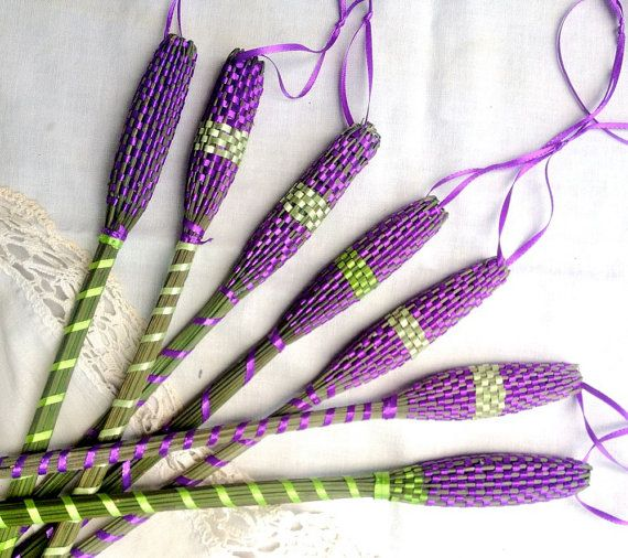 Organic French Lavender Wand Woven Sachet Long Purple and Green Ribbon created by Englefelt #purple #etteam    I got one and they smell heavenly!