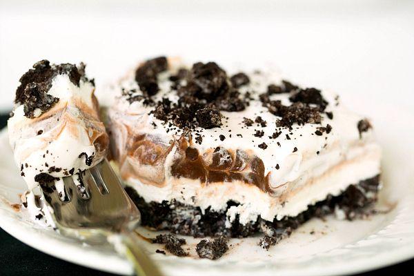 Γλυκό Oreo με στρώσεις κρέμας τυριού και σοκολάτας
