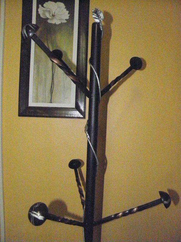 Otra versi n de perchero en hierro carpinter a met lica - Percheros de hierro ...