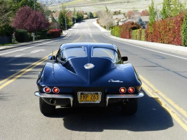 272 best autos images on pinterest old school cars vintage cars chevrolet corvette sting ray 3 window coupe 1963 picture 13g7k41312466214 fandeluxe Image collections