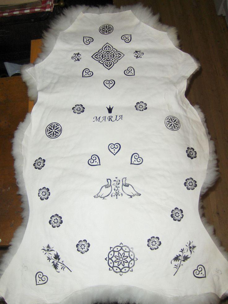 Dåpsgave. Trykk på saueskinn. Print on sheepskin.