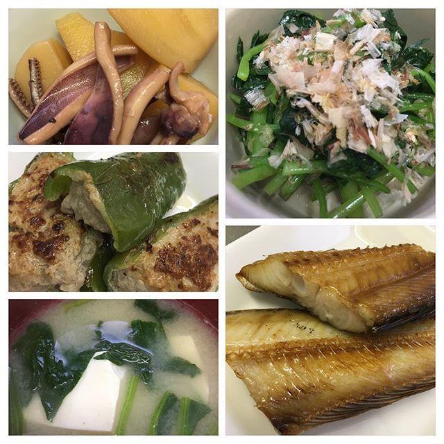 うち御飯😊 #イカとイモの煮物  #みつばのおひたし #肉詰めピーマン #家庭料理 #肉#meet #魚#fish #イカ #イモ(新じゃが)#potato #みつば #鰹節 #ひき肉 #ピーマン #新たまねぎ #焼き魚(ホッケ) #味噌汁 #とうふ #ほうれん草 #美味しい #満足 #煮物