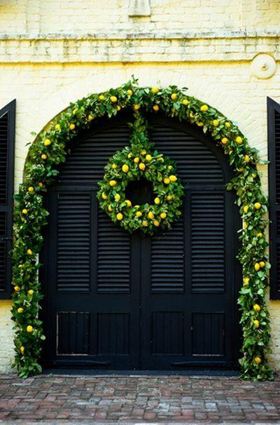 Lemons!: Christmas Decor Ideas, Black Doors, Arches, Holidays, Gardens, Christmas Garlands, Wreaths, Outdoor Christmas, Lemon