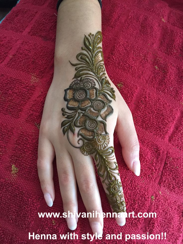 Henna with style and passion !! For the booking questions, please email us on ✉️shivanihennaart@gmail.com www.shivanihennaart.com #henna #brampton #canada #Mehndi #mahendi #bride #bridal #wedding #indianhenna #hennatattoo #hennadesign #hennapro #Toronto #friends #shivanihennaart #fashion #hennsinspire #marriage #party #engagement #birthday #ontario #bramptonhenna #art #artist #friends #indianwedding #desitrendingcollections #weddinghenna #wedding