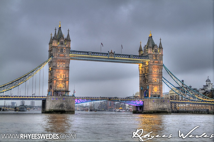London Bridge With Diamond Jubilee Colours!!!...