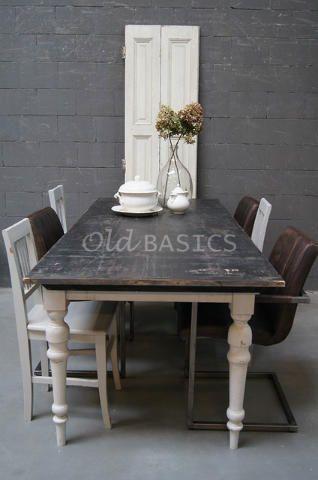 Tafels - Landelijke oude brocante tafels: eettafels salontafels kindertafels bureau's bijzettafels keukentafels en tafels op maat - Old-BASICS webshop en grote loods van 750 m2 www.old-basics.nl (vintage, shabby chic)