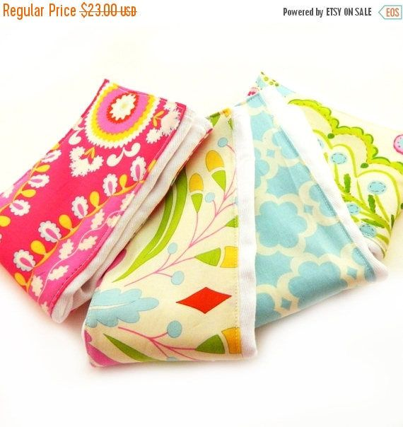 SALE Girl Burp Cloths -  Flower Burp Cloth - Set of 4 Pink Blue Diaper Burp Cloth // Cotton Burp Cloth // Baby Shower Gift // Pink Burp Clot by Sewingdreamsnotions on Etsy