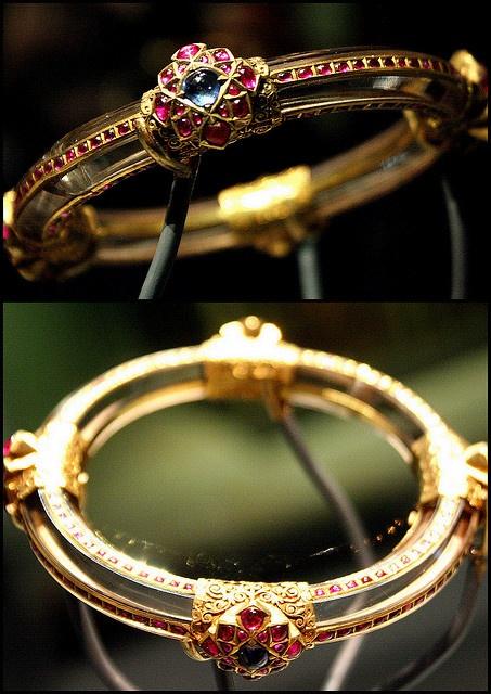 bangle/bracelet