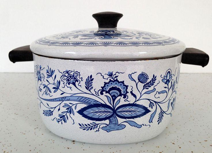 Vintage Enamel Round Pot Blue Floral w/ Lid Dutch Oven Flowers Enamelware RARE!