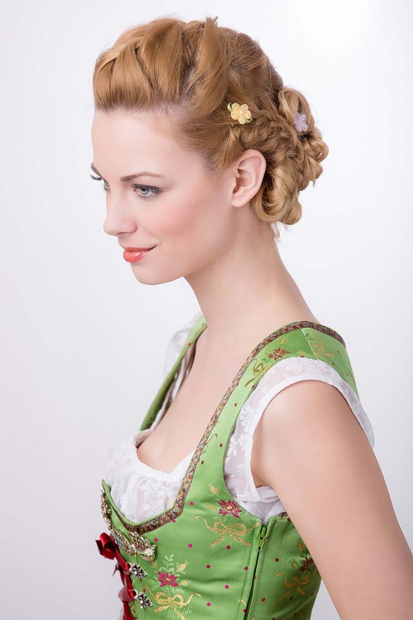 Romantische Dirndl-Frisur - Bilder - Jolie.de