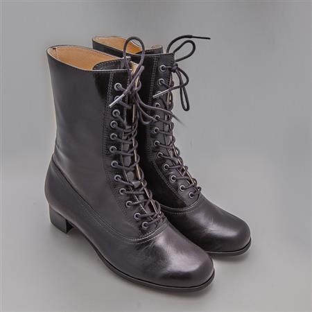 Boots that can be worn with bunad