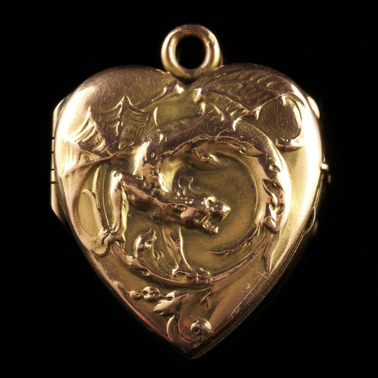 Antique Victorian Gold Dragon Locket Circa 1900 by LaurelleLtd on Etsy https://www.etsy.com/listing/525464798/antique-victorian-gold-dragon-locket