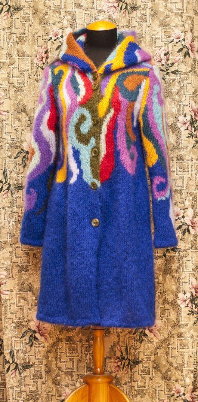 Верхняя одежда ручной работы. Пальто вязаное