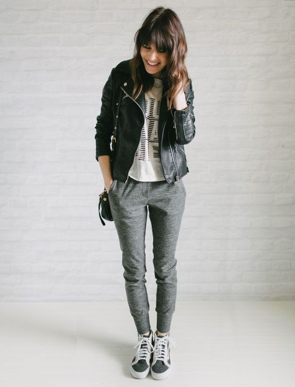 Look calça moletom sweatpants-comfy-style-leather-jacket