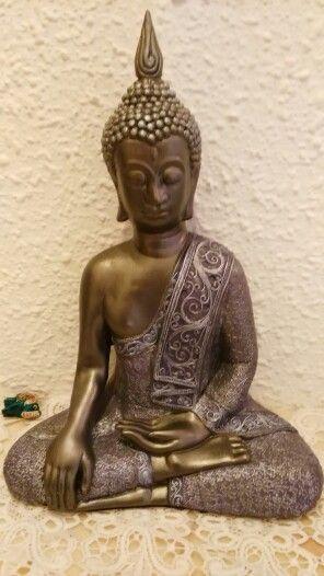 Buda pintado a mano
