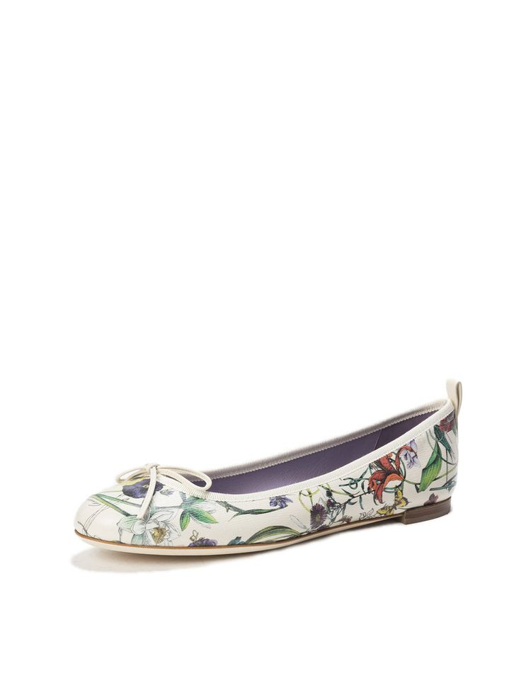 Obsessed with these super stylish Gucci flats from Amuze! So beautiful and such an affordable price