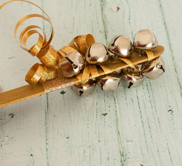 New Year's Eve Noisemakers DIY - #NYE #kidcrafts