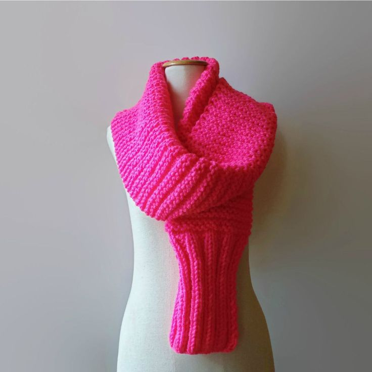 Chunky scarf, hand knitted in hot pink soft wool.