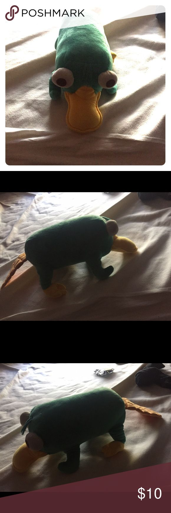 Perry the platypus plush toy with sound Great condition plush toy from the show Phineas and Ferb. I loved this thing but it's time to let go. Clean. and his chatter noise still works. Great for kids. Other