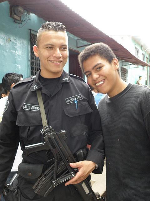 People of San Salvador by Robert Lz, via Flickr: Photo