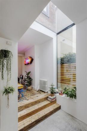 Flur Eingansgbereich Holztreppe Fenster Modern Minimalistisch