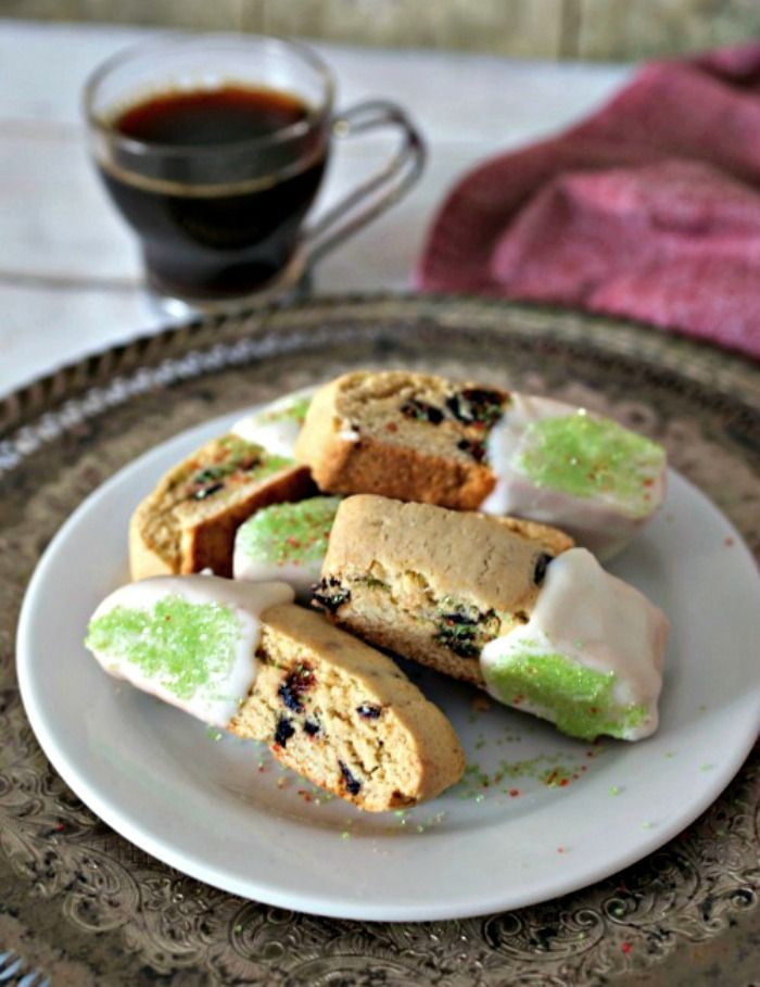 Pistachio and Fig Sesame Biscotti from Karrie -